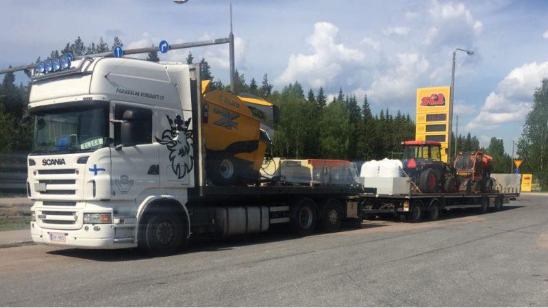 Maatalouskoneiden kuljetus
